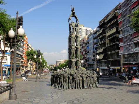 Resultado de imagen de monumento a los castellers de tarragona