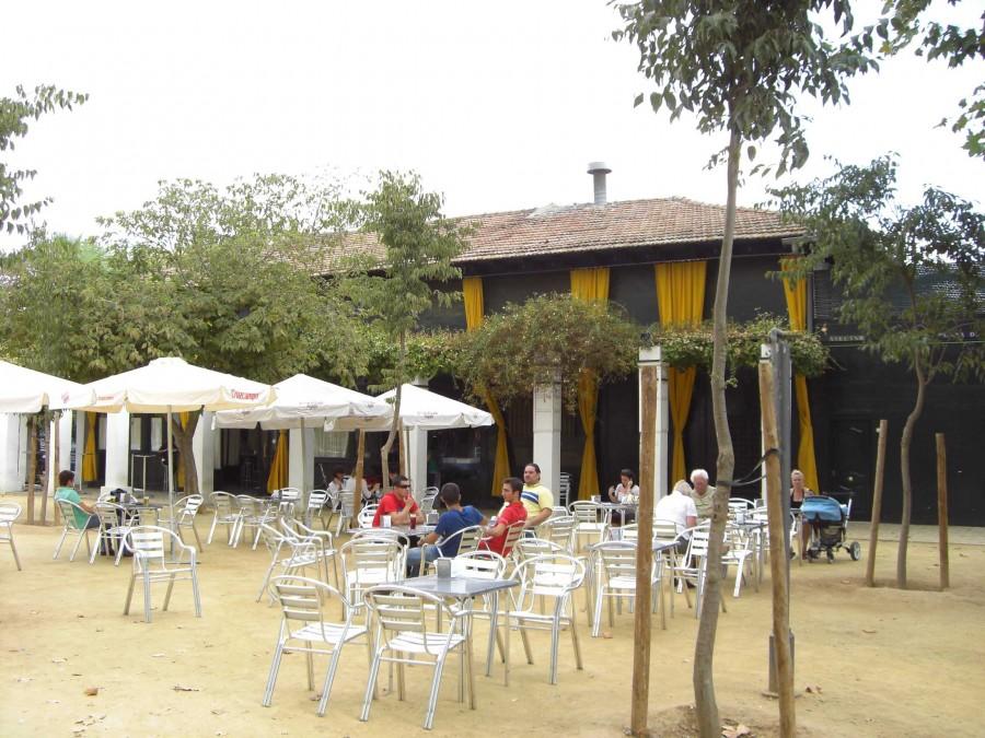Sitios para comer barato viajes al alcance de todos - Bar coloniales sevilla ...