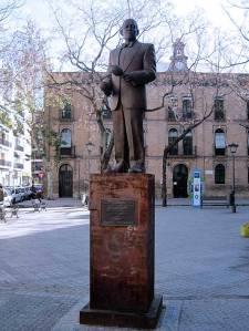 estatua sevilla