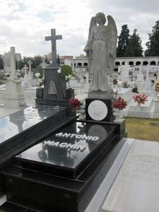 tumba de machin